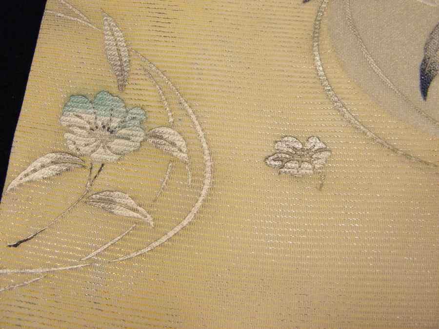 【帯喜楽】タ2-2●夏帯●九寸名古屋帯●美品●オフホワイト銀箔混じりに色箔刺繍の花_画像6