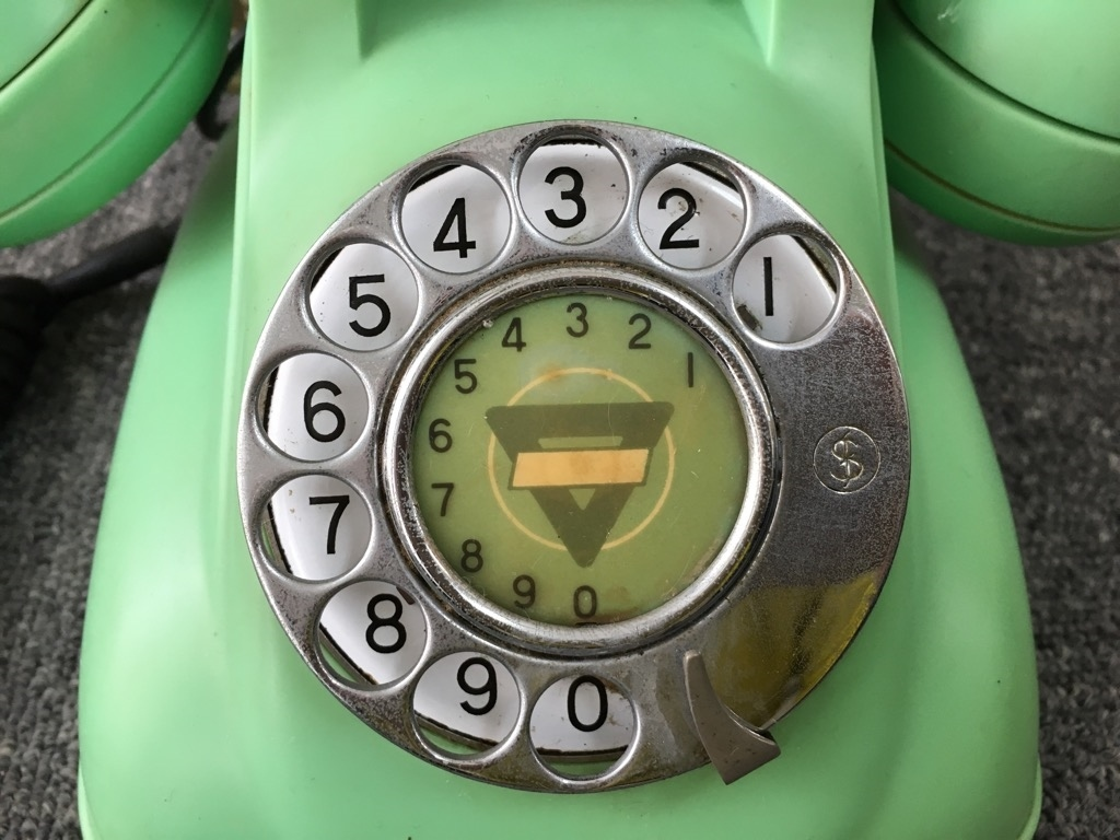 昭和レトロ 電電公社 4号A 自動式卓上電話機 若草色 ダイヤル式電話機 回転ダイヤル式 コレクション 昔懐かし 日本電信電話公社_画像3