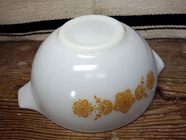 オールドパイレックス シンデレラボウル(L)バタフライゴールド 997 美品 ミルクガラス ミキシング ビンテージ_画像4
