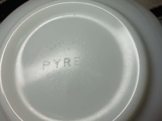 オールドパイレックス シンデレラボウル(L)バタフライゴールド 997 美品 ミルクガラス ミキシング ビンテージ_画像5