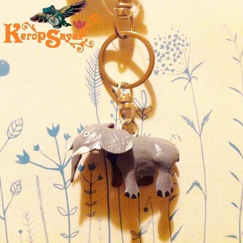 革製 灰色ゾウさんキーホルダーS-GY レザークラフト皮 ハンドメイド手作り ぞう象エレファント アニマル動物 ブサカワ癒し系♪_画像3