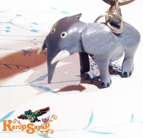 革製 灰色ゾウさんキーホルダーS-GY レザークラフト皮 ハンドメイド手作り ぞう象エレファント アニマル動物 ブサカワ癒し系♪_画像1