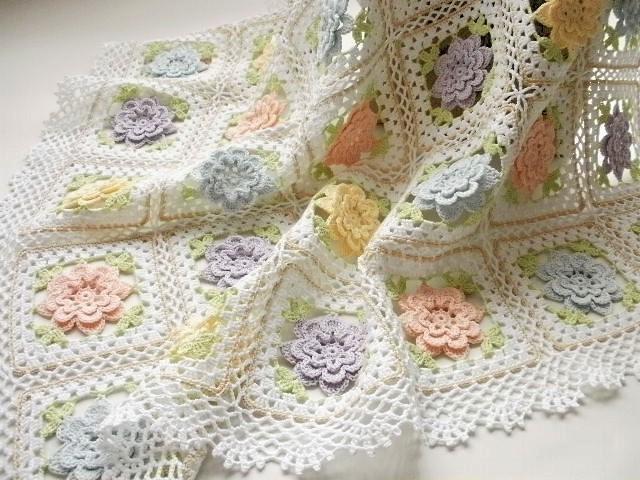 ハンドメイド*レース編み *パステルカラーのお花のモチーフつなぎ*ブランケット・ひざ掛け・カバー