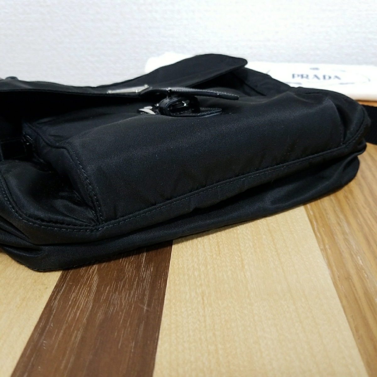 【正規品】新品 PRADA プラダ ショルダーバッグ 保存袋・ギャランティカード付 気持ち良く使って頂けます_画像6
