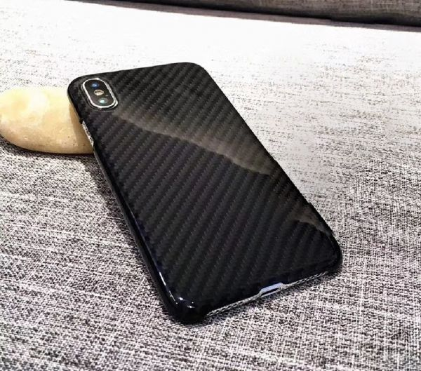iPhoneケース 本物カーボンファイバー ケース グロスブラック リアルカーボン 希少商品 iPhone X 新品 艶あり