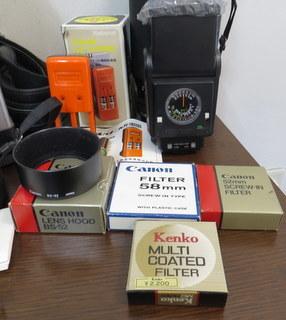 【2513】 Canon (キヤノン) 一眼レフ フィルムカメラ A-1 24mm・100-300mmレンズ その他付属多 中古_画像9