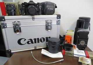 【2513】 Canon (キヤノン) 一眼レフ フィルムカメラ A-1 24mm・100-300mmレンズ その他付属多 中古_画像10