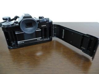 【2513】 Canon (キヤノン) 一眼レフ フィルムカメラ A-1 24mm・100-300mmレンズ その他付属多 中古_画像3