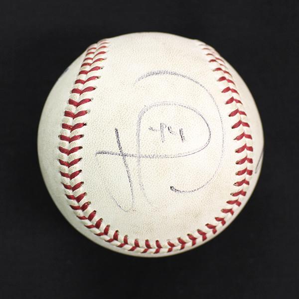 バンデンハーク投手のサインも入っています