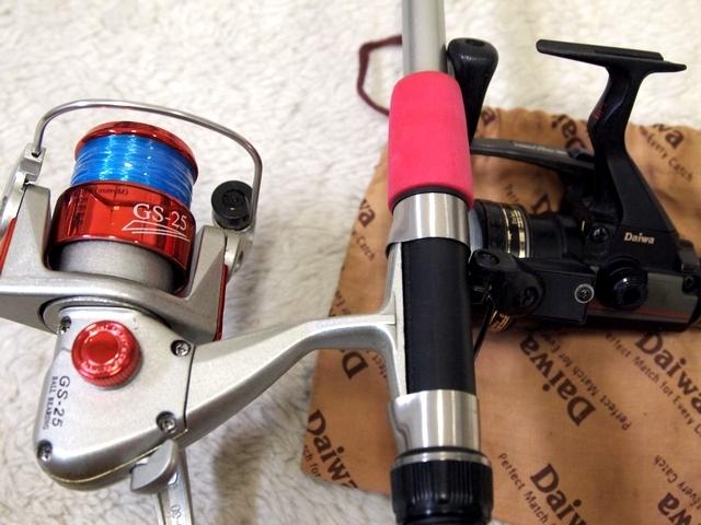 ●釣具屋廃業 釣り具 色々 まとめ大量セット リール バッカン 仕掛け 疑似餌 ウキ ルアー 魚探知器 充電器 ダイワ シマノ 未使用 ジャンク_画像10