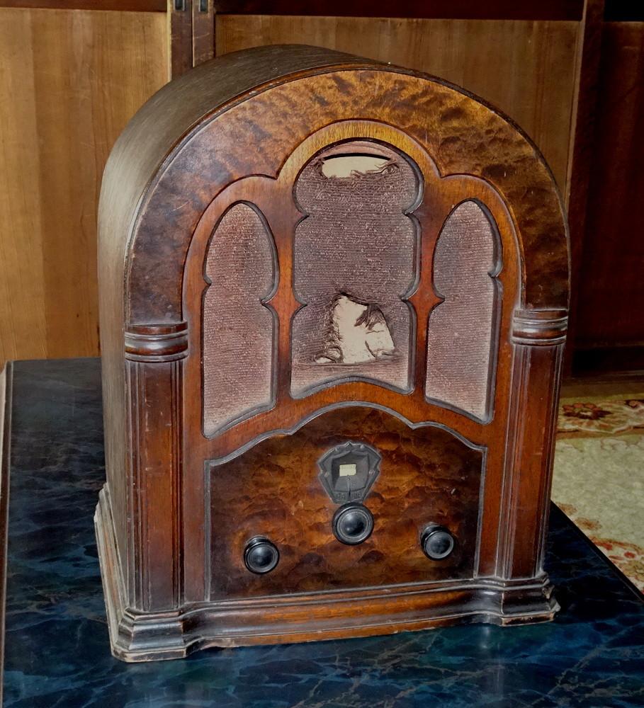 古い真空管式ラジオ/その①