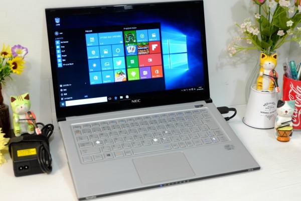SSD搭載 Windows10☆yg 即決/COREi5-3337U/4GB/Office2016/HDMI搭載/即日発送☆