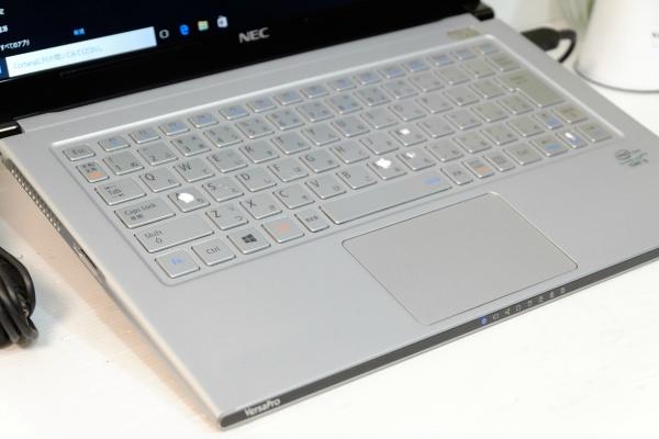 SSD搭載 Windows10☆yg 即決/COREi5-3337U/4GB/Office2016/HDMI搭載/即日発送☆_画像3