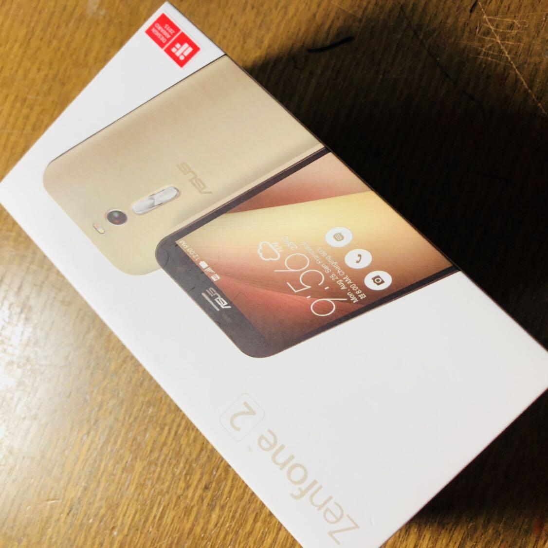 (美品)国内版 SIMフリーASUS Zenfone2 5.5インチ ( ZE551ML) 32GB LTE ブラック Dual SIM 反応 ゴールド_画像5