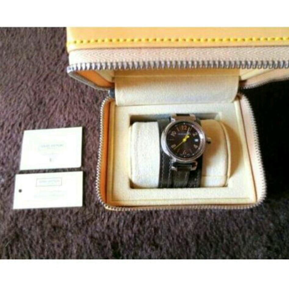 本物 美品 ルイヴィトン タンブール レディース 腕時計 ブラウン 正規品 高級 ブランド 時計 ロング 細 ベルト 革 レザー 本革 こげ茶 茶色_画像1