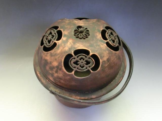 手炉■手焙り 花紋透かし 古銅製 手火鉢 火器 古美術 時代物 骨董品■_画像6