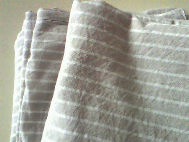 枕カバーを使い倒すために、布団カバーや敷ふとんシーツを増やすって、本末転倒なんだけど、そういう無駄使いは得意中の得意!