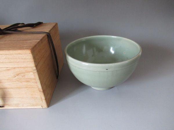 【知之】中国美術 骨董 古磁器 青磁鉢 美品 無傷 時代物 本物保証