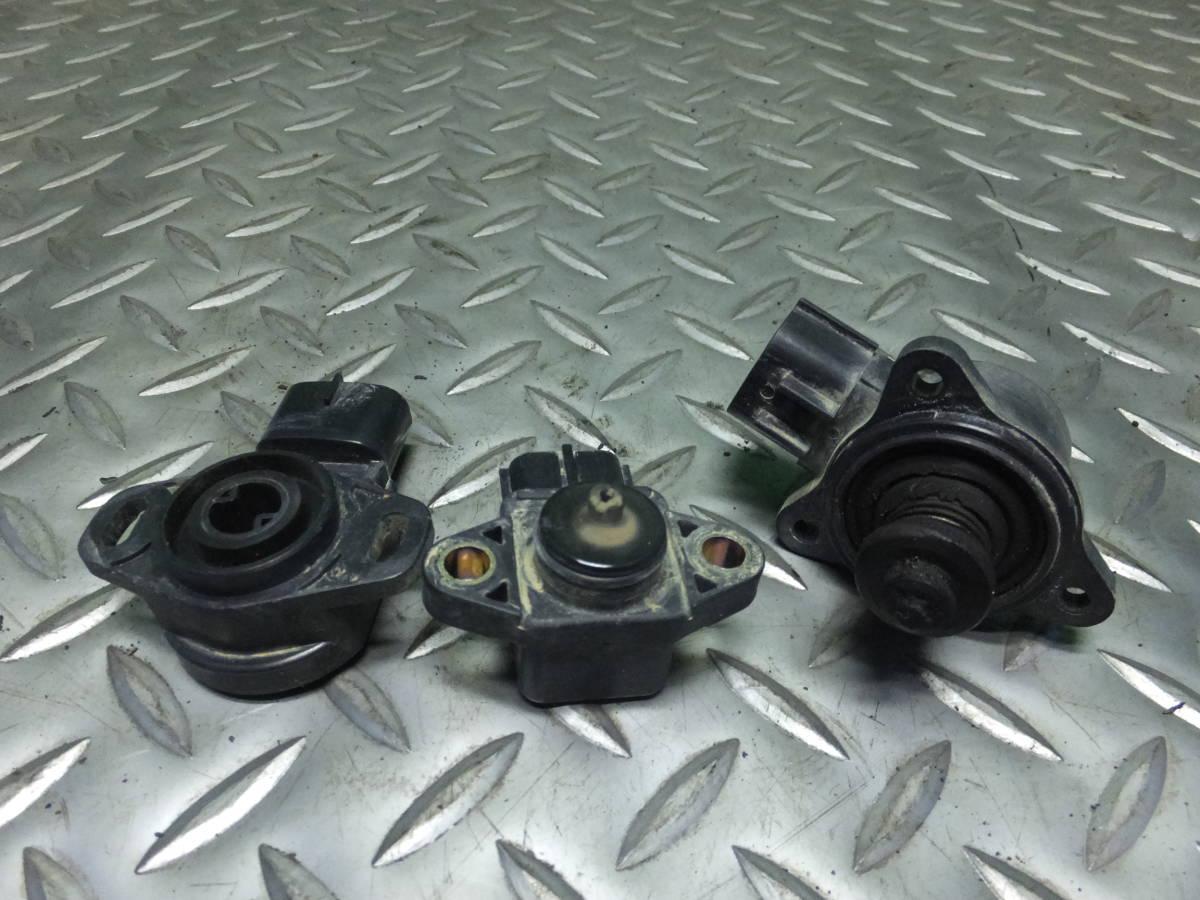 18-12-55 Suzuki Carry DA63T K6A throttle body sensor 3 piece set