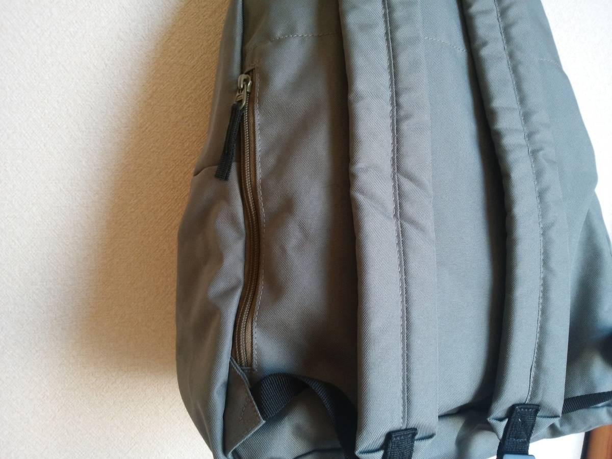 無印良品 サイドファスナーポケット付きリュックサック デイパック カーキ 未使用_画像3