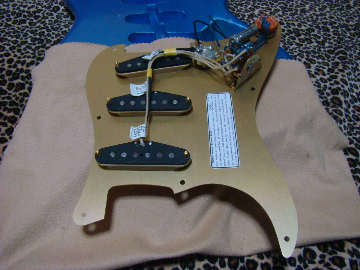 REAL SUPER CUSTOM!◆no Fender stratocaster 青/金 ストラトキャスター ストラト 7way SLOOP Neck!Lindy ラッカー 赤茶げNeck So Cool!_画像10