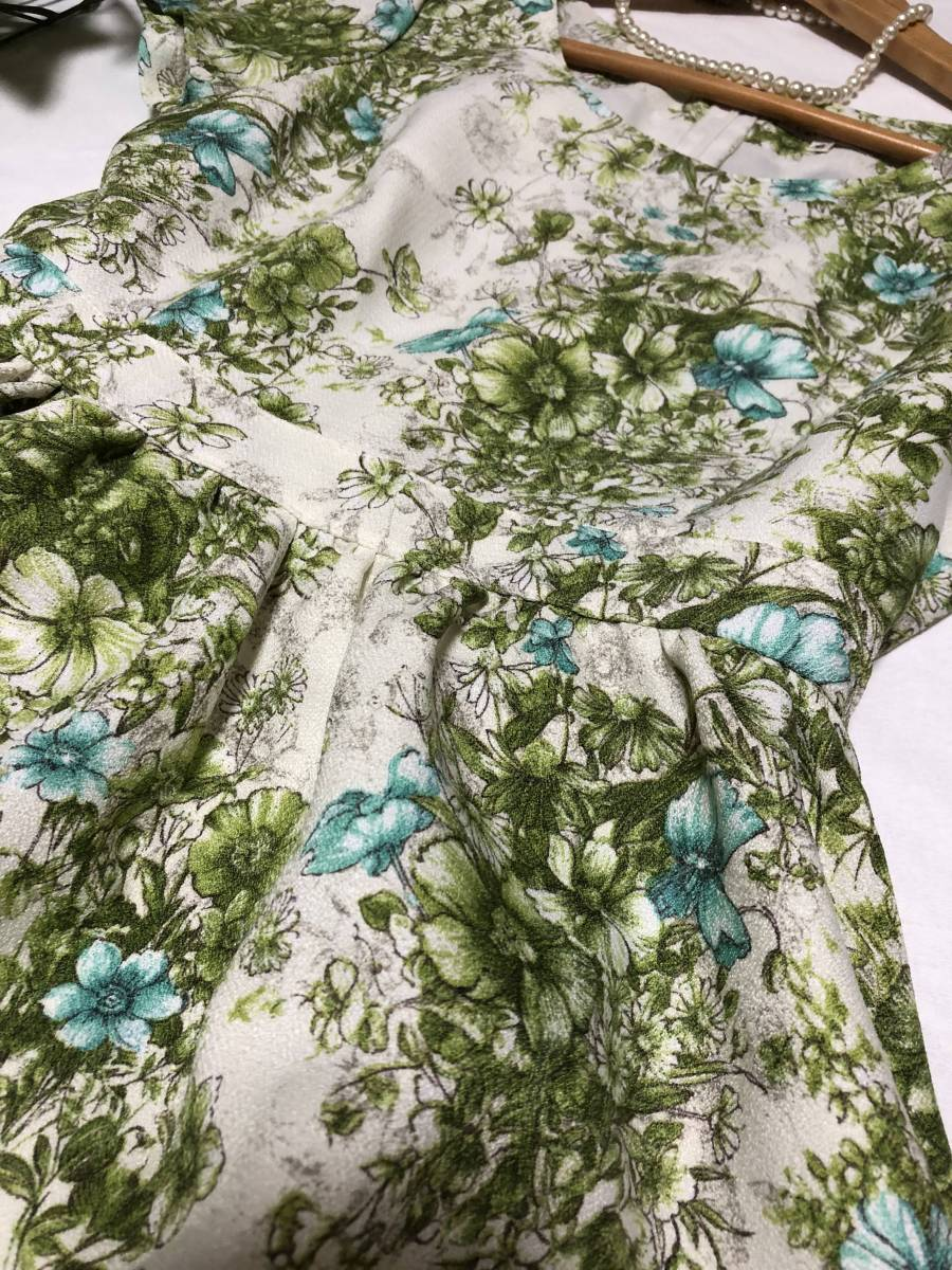 レストローズ L'EST ROSE ☆素敵なワンピース  MT さわやかグリーン系 花柄  半袖 フレアーが素敵_画像3