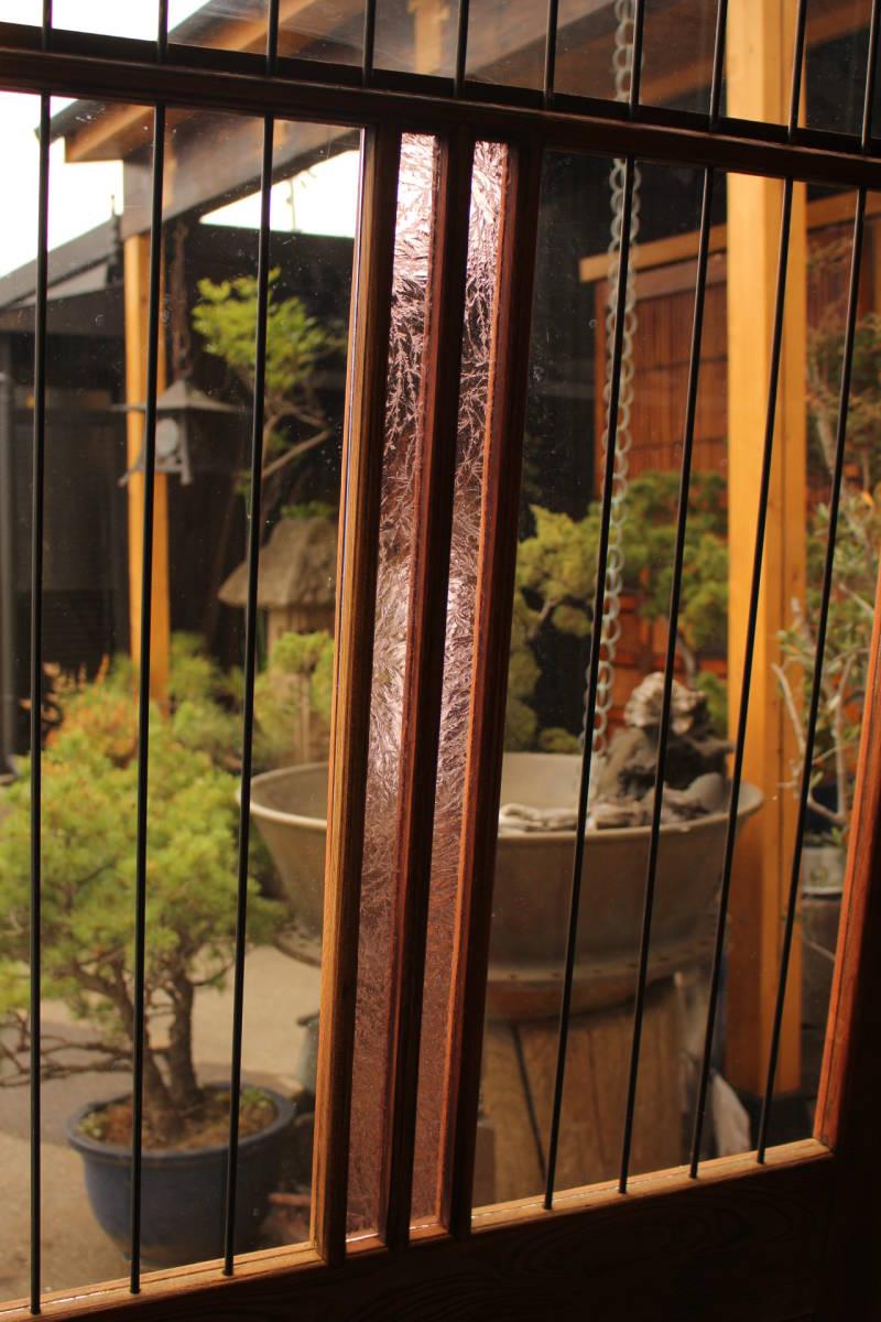 【のびる】ピンクにかわガラスの格子付総欅ガラス戸 2枚1組 GD1072Y //リフォーム新築古民家建替店舗設計店舗デザインモダン内装骨董古玩_画像9