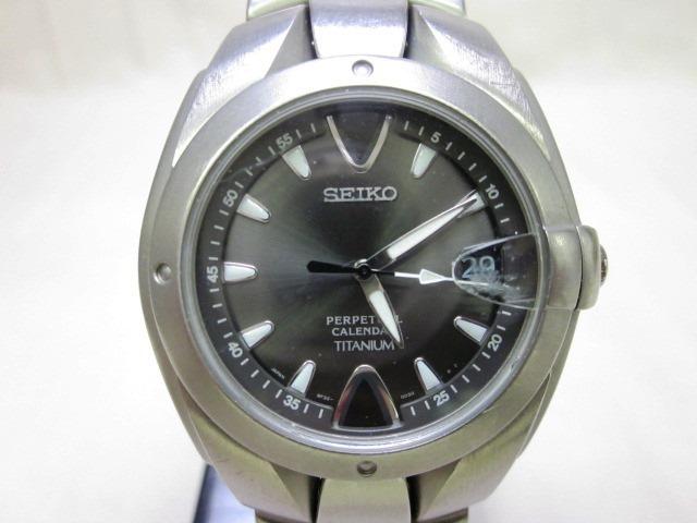 SEIKO チタン 8F32-0040 時計 動作未確認_画像2