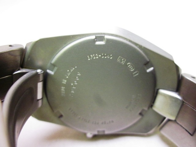 SEIKO チタン 8F32-0040 時計 動作未確認_画像3