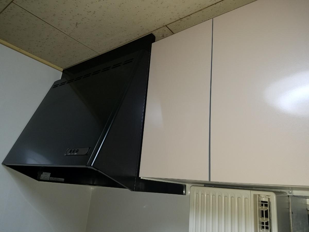 クリナップシステムキッチン ラクエラ2400 中古美品_画像3