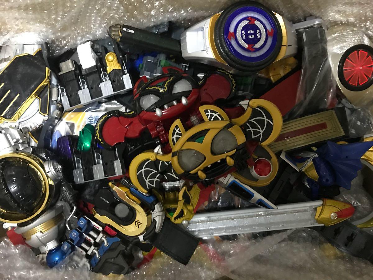 まとめ売り 仮面ライダー エグゼイド ウィザード フォーゼ ダーク キバット イクサ サガーク ベルト ドライバー ガシャット リング メダル
