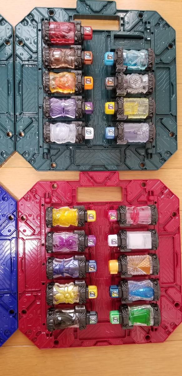 ☆新品同様☆ 仮面ライダービルド DXフルボトル39本セット DXパンドラボックス4枚セット_画像3