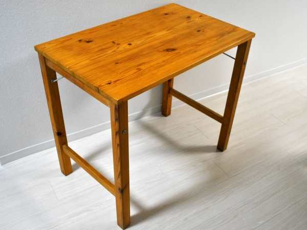 パイン材テーブル、折りたたみ式の情報
