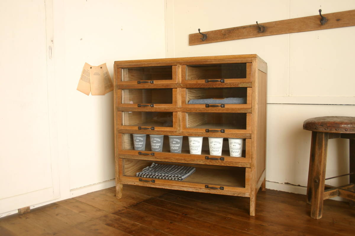 〇古い木製 前面ガラス チェスト シャツケース 食器棚 カウンター ショーケース タンス