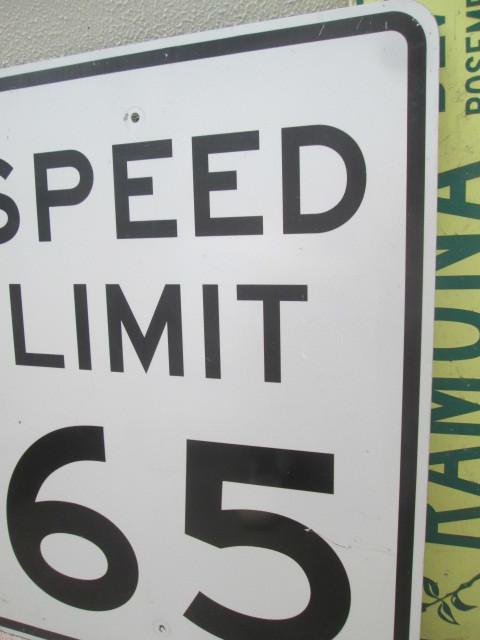 ★USA ビンテージ道路標識 SPEED LIMIT65 看板 実物 ロサンゼルス西海岸 /カリフォルニア州オリジナル_画像3