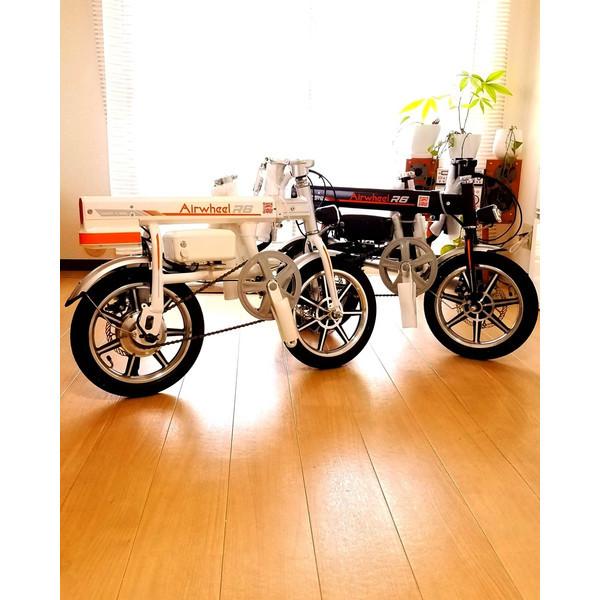 「スマホ充電可能 ボタン1つで自動伸縮 パナソニック製バッテリー Airwheel R6 スマートイーバイク」の画像1