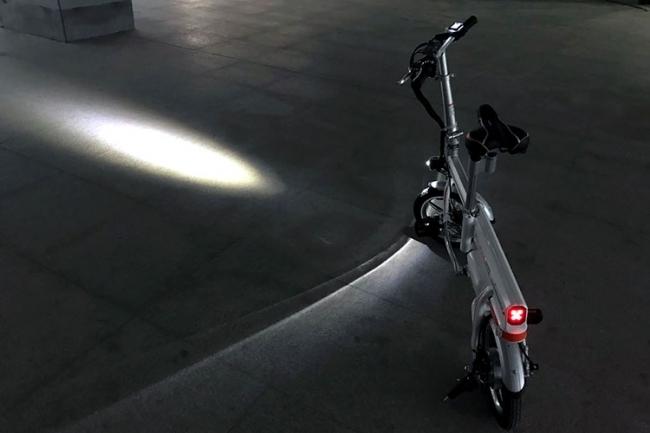 「スマホ充電可能 ボタン1つで自動伸縮 パナソニック製バッテリー Airwheel R6 スマートイーバイク」の画像3
