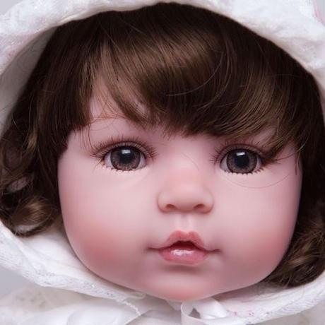 【送料無料】リボーンドール 赤ちゃん人形 ベビー人形 ベビードール 海外ドール リアル ハンドメイド レースのフード お人形さん風 女の子