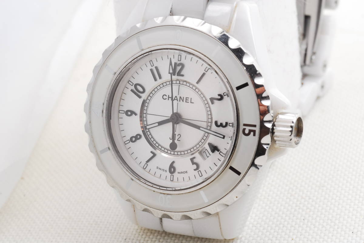 CHANEL シャネル J12 ホワイト セラミック メンズ クォーツ 腕時計