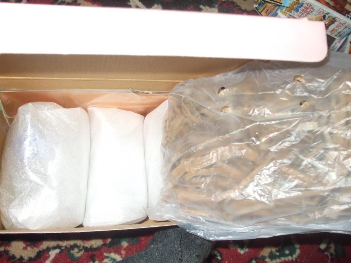 ☆【不二家 】 新品 未使用 陶器製 ペコポコ ひな人形 首振り ペコちゃん ポコちゃん です。_画像2