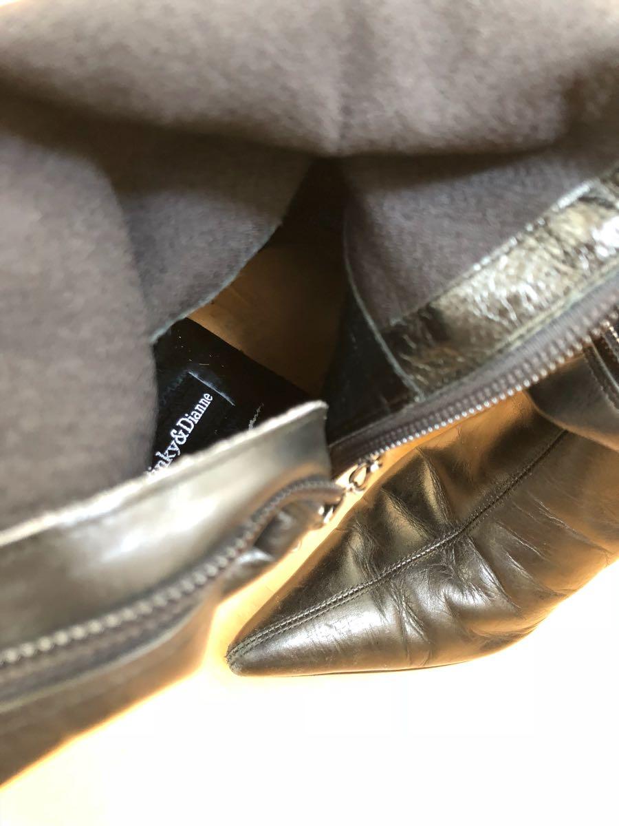 142★★《珍しいロングブーツ》左足にチェーンの黒光りピンヒールブーツ ☆ つま先とんがり女王様ブーツ ☆ ポインテッドトゥ ハイヒール_画像6