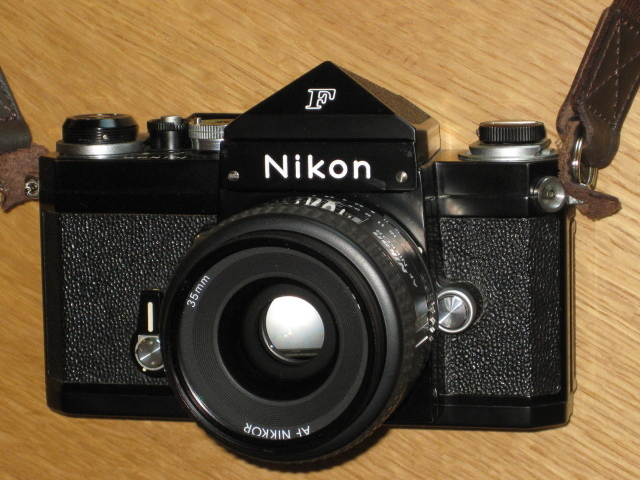 ニコンNewFブラック美品+AF NIKKOR35mm付き難あり NIKON F BLACK
