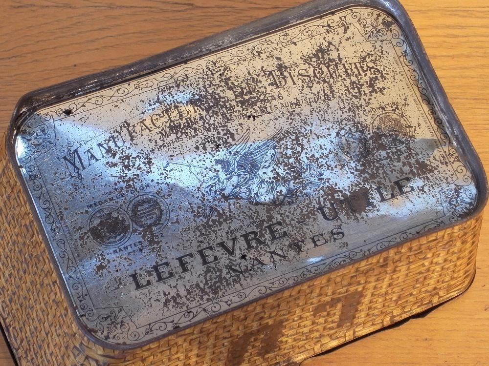 フランス アンティーク LU ブリキのビスケット用バスケット型容器 1900年代初期 仏 ブロカント シャビー キッチン雑貨 缶 小物入れ_画像9