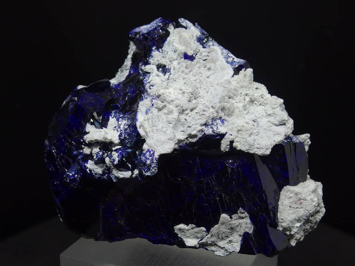 アズライト(藍銅鉱)結晶原石  迫力満点の美しさ メキシコ Milpillas Mine産 67×56×34mm 124g_画像2
