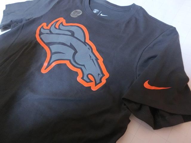 USA購入 ナイキ【Nike】機能素材【DRI FIT】NFL デンバー ブロンコス【Denver Broncos】ロゴプリントTシャツ US Sサイズ 濃灰_画像4