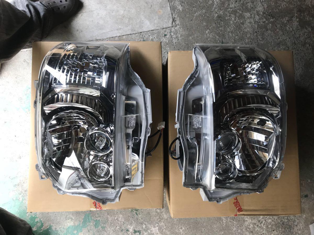 ハイエース4型ダークプライム オプションLEDヘッドライトユニット 新品