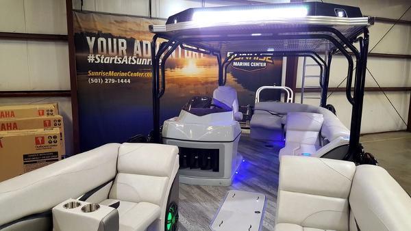 新着情報!!2017年モデル  Aloha Paradise Series 300 Sundeck Triple 展示艇!!今シーズン間に合います!!(USA)_画像6