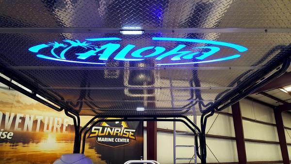 新着情報!!2017年モデル  Aloha Paradise Series 300 Sundeck Triple 展示艇!!今シーズン間に合います!!(USA)_画像9