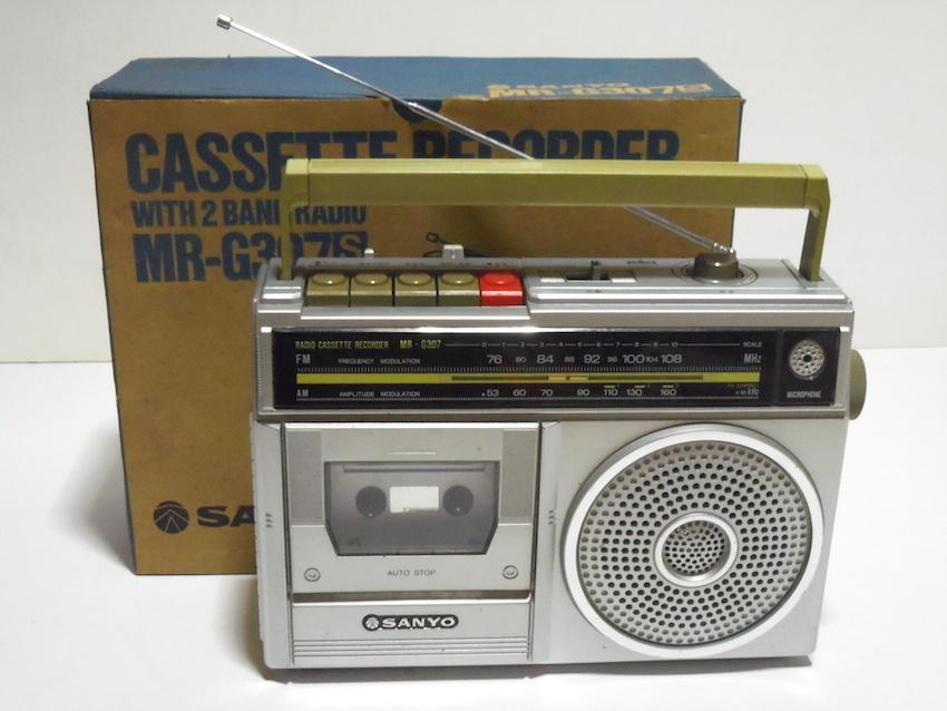 ■SANYO サンヨー カセットレコーダー MR-G307 ラジカセ FM AM ラジオ 箱付き 昭和レトロ ジャンク