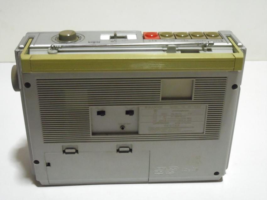 ■SANYO サンヨー カセットレコーダー MR-G307 ラジカセ FM AM ラジオ 箱付き 昭和レトロ ジャンク_画像6